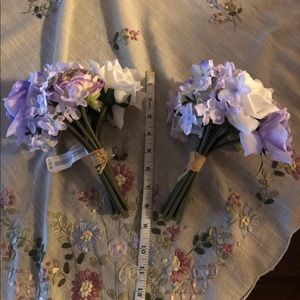 Accents - 2 bunches of artificial flowers